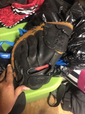 Catchers Mitt for Sale in Santa Clarita, CA
