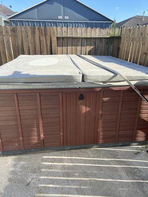 Morgan hot tub sits 7 for Sale in Arcola, TX