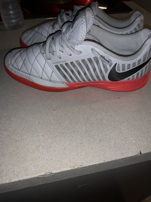 Nike lunar gato indoor soccer shoe men 10.5 for Sale in Dallas, TX