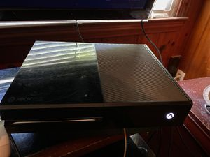 Microsoft Xbox One 500GB Console for Sale in Charlotte, NC