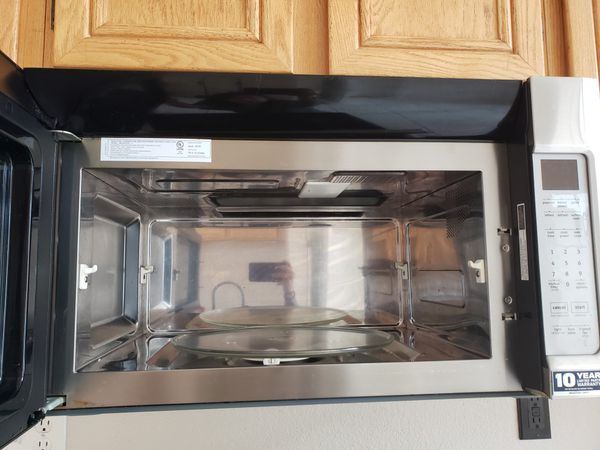 Kitchen appliances oven, microwave & dishwasher