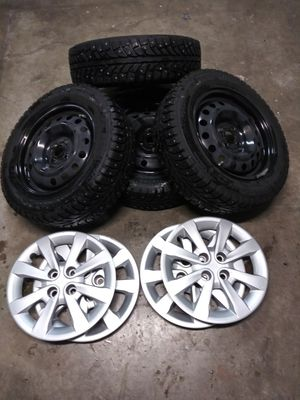 185/65/15 snow tires for Sale in North Plains, OR