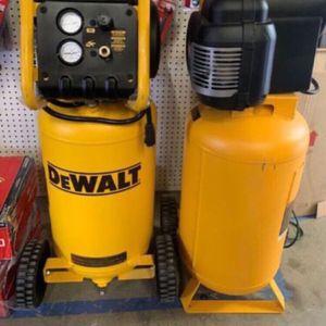DEWALT 225 PSI 14 GAL AIR COMPRESSOR for Sale in San Bernardino, CA