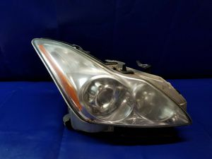 2008 - 2010 INFINITI G37 COUPE RIGHT PASSENGER XENON HEADLIGHT HEADLAMP for Sale in Fort Lauderdale, FL
