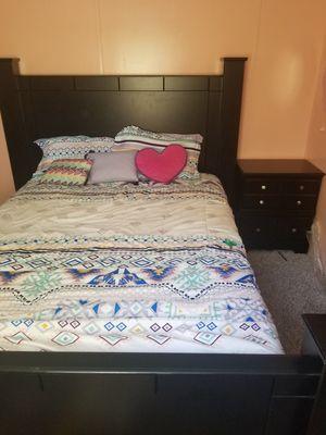Complete Queen Bedroom Set for Sale in Arlington, TX
