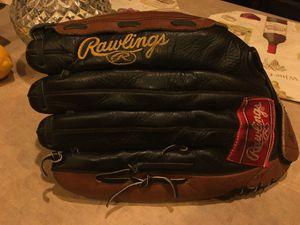 Softball glove for Sale in Avondale, AZ