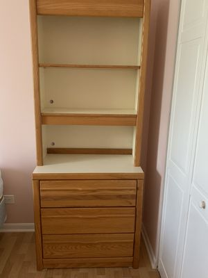 Teen Bedroom Set with a desk for Sale in Palatine, IL