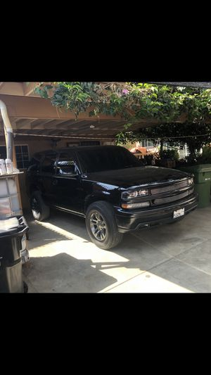 2003 Chevy tahoe lt for Sale in Los Angeles, CA