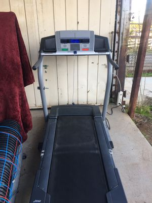 Treadmill NordicTrack **Very Clean Rarely Used** for Sale in Perris, CA