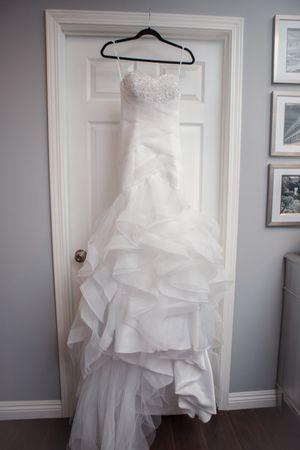 Beautiful Wedding Dress for Sale in Santa Clarita, CA