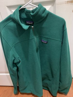 Men's Green Patagonia quarter zip size Large for Sale in West Bloomfield Township, MI