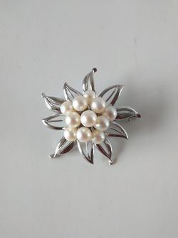 Sterling silver brooch with faux pearls for Sale in Parker,  CO