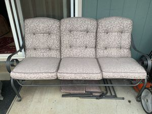 Patio sofa for Sale in Creswell, OR