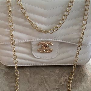 White Shoulder Bag for Sale in Vancouver, WA
