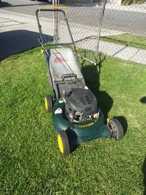 Craftsman lawn mower for Sale in Bell, CA