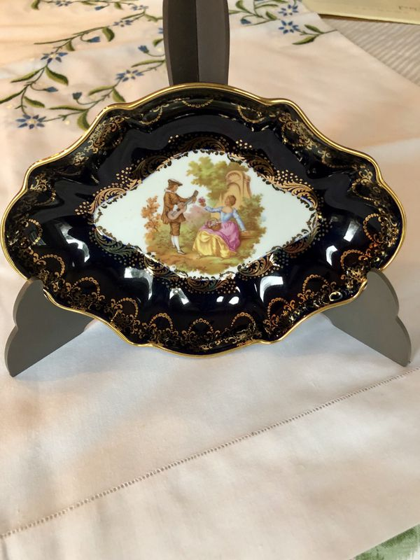 LIMOGES, 22K GOLD, COBALT BLUE TRINKET DISH