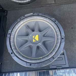 12 Inch Kicker 4ohm Sub for Sale in Nottingham, MD