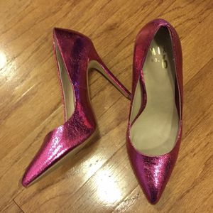 Mix No. 6 metallic pink pumps heel. Fit 7 for Sale in McLean, VA