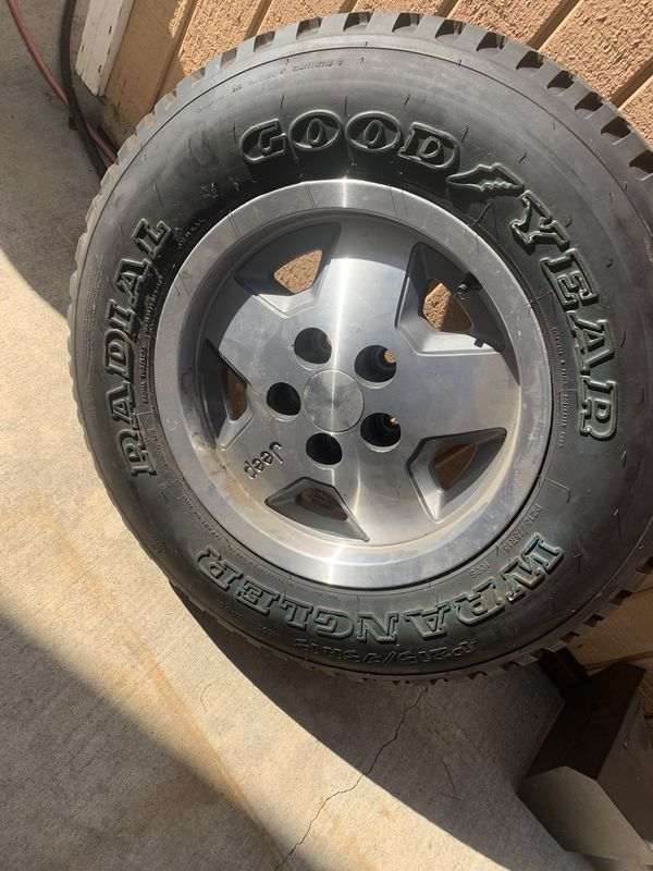 Jeep Cherokee spare tire and wheel
