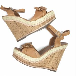 Steve Madden Currious Wedge Heels Size 7.5 for Sale in Whittier, CA