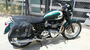 Triumph Bonneville T100 motorcycle 2009 for Sale in Los Angeles, CA