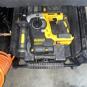 DeWalt Hammer Drill for Sale in Palmdale, CA