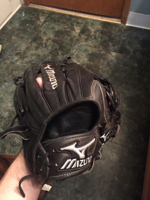 Good, barely used Mizuno Pro outfielders glove 12.75 in for Sale in Wenatchee, WA