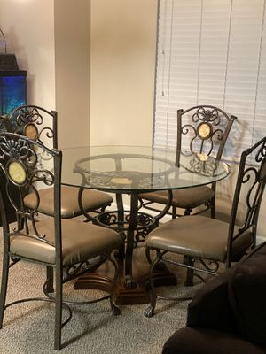 5pc dinning set for Sale in Fresno, CA