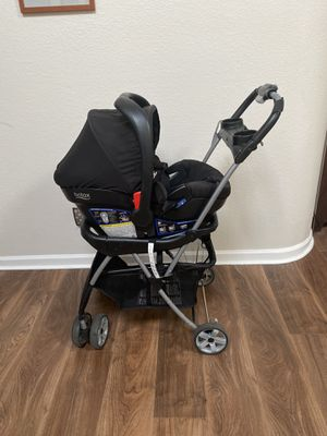 Britax infant car seat and snap n go stroller for Sale in Scottsdale, AZ