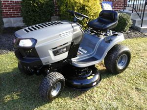 "CRAFTSMAN T1000 14HP. 42"" LAWN TRACTOR for Sale in Bally, PA"