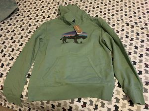 Olive green Patagonia Hoddie for Sale in Germantown, MD