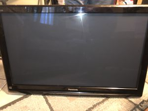 """42"""" Panasonic with wall mount for Sale in Fort Worth, TX"""
