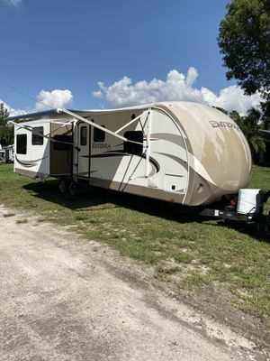 2013 ENTERRA 317RES travel trailer for Sale in Southwest Ranches, FL