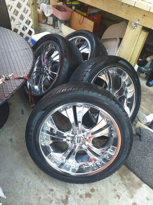 23 inch rims with tires that still look new asking for $500 best offer for Sale in Philadelphia, PA