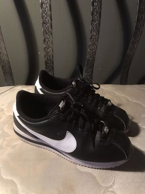 Nike shoes size 8 for Sale in Menifee, CA