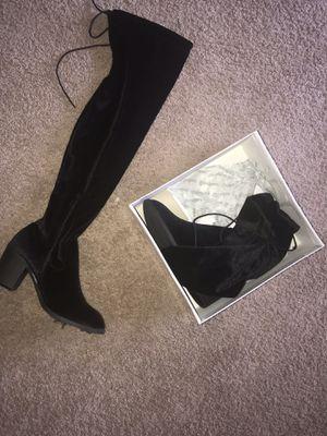 Women's thigh high boots sz 7 for Sale in Pontiac, MI