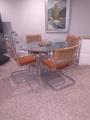 """Mid Century Modern 48""""Table + 4 Chairs for Sale in Atlanta, GA"""