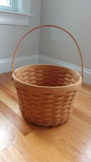 "2000 Longaberger 13"" Round Fruit Basket for Sale in North Andover, MA"