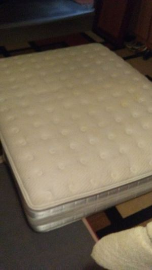 Serta perfect day applause mattress for Sale in Sun City, AZ