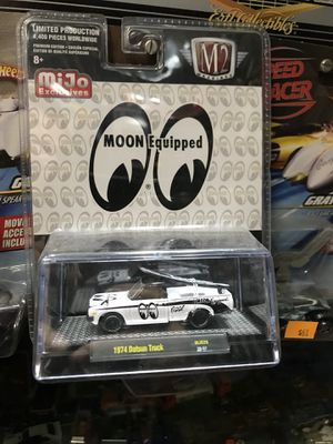 🚙🔥🏁😎👍collectible moon eyes 👀 Datsun Truck 1:64 scale diecast collectible 🚙🏁😎👍🔥 for Sale in Pomona, CA