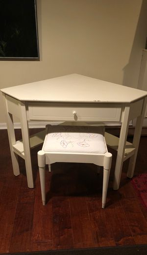 White corner table for Sale in McKnight, PA