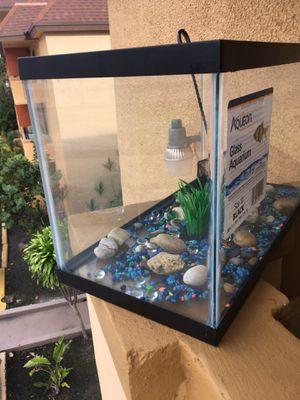 10 gallons fish tank plus super filter for Sale in Miami, FL