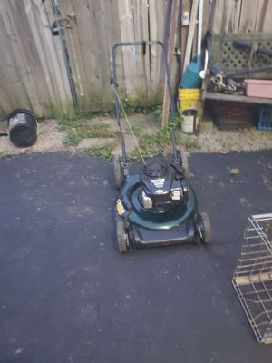 Bolens mulching push lawn mower for Sale in Columbus, OH