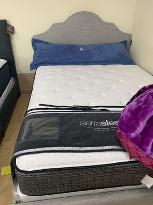 Queen mattress set $599.00 Queen bed frame freeON SALE for Sale in Federal Way, WA
