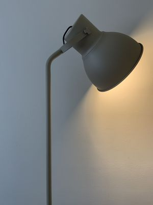 Floor Lamp for Sale in Beverly Hills, CA