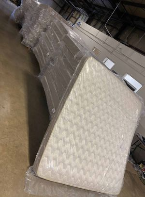 Overstock mattress sale! HN47C for Sale in Houston, TX
