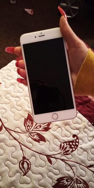 iPhone 6 plus gold 128 gb for Sale in Los Angeles, CA