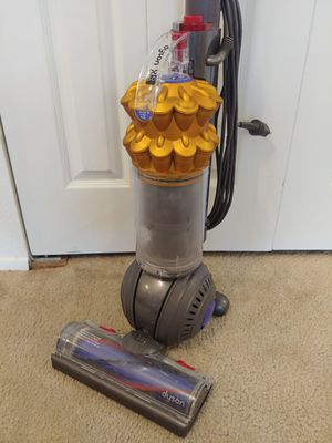 Dyson Cyclone DC50 Pet/ Multifloor Vacuum for Sale in Kenmore, WA