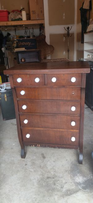 Beautiful Antique/Vintage porcelain knob dresser! for Sale in Fredericksburg, VA