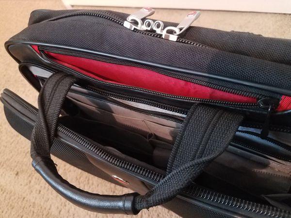 SwissGear Laptop Briefcase   Backpack   Messenger Bag